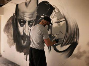 Graffiti Fassadengestaltung. Airbrush, Graffiti und Pinsel