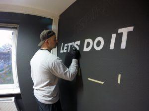 Kalligraphie und Graffitis als Auftragsarbeit